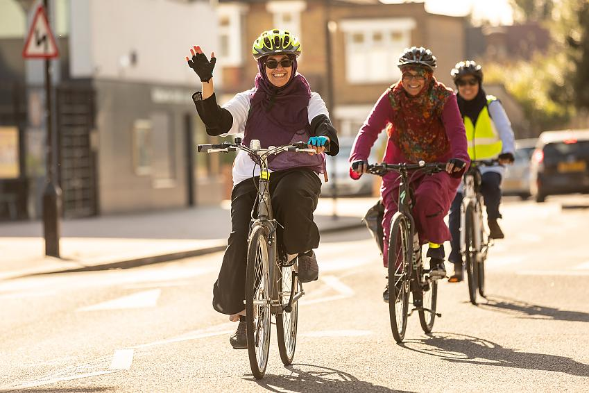 Cycle Sisters  Photo by Jenna Selby Waltham Forest Council