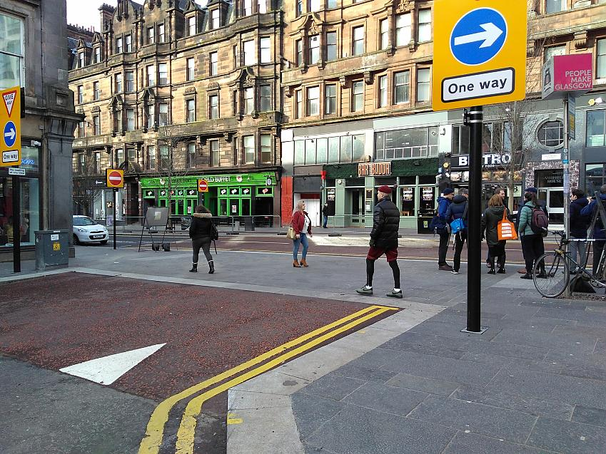 Continuous level crossing in Glasgow. Photo (not design) Witteveen+Bos